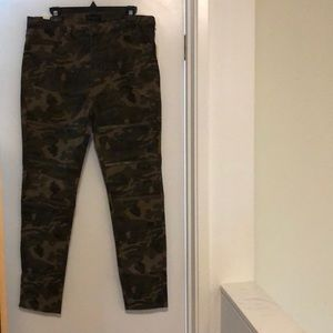 army camouflage zippered leg high waisted jeans